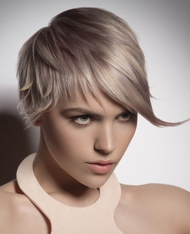 2015-layered-blonde-crop-with-sweeping-fringe